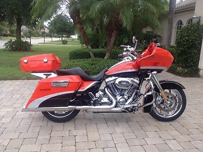 Harley-Davidson : Touring 2009 110 screaming eagle road glide cvo fltrse 3 price reduced must sell