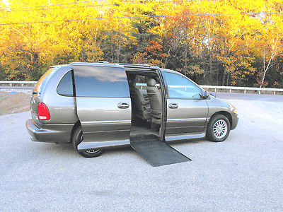 Chrysler : Town & Country Limited 1999 chrysler t c limited handicap wheelchair van 68 734