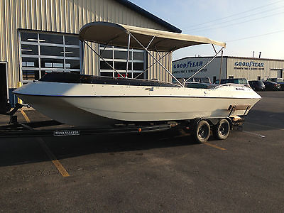1991 SUNCHASER DECK BOAT, 5.7 MERCRUISER ALPHA 1 OUTDRIVE 24' FISH, SKI, PONTOON
