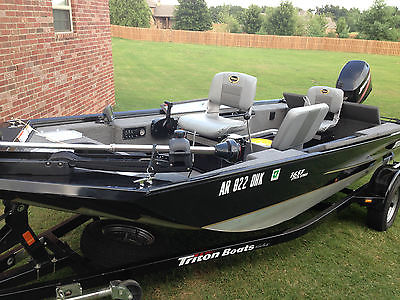 2009 Triton 1657SS 1657 Stick Steer Crappie Mercury 50 MINT IMMACULATE condition