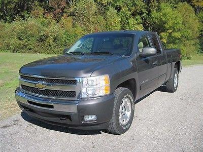 Chevrolet : Silverado 1500 LT 2011 chevy 1500 silverado 4 x 4 4 wd zz 1 extended cab bedliner