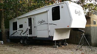 2007 Glendale 30 ft. fifth wheel RV