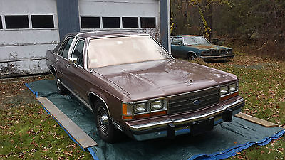 Ford : Crown Victoria LX Sedan 4-Door 1989 ford ltd crown victoria lx sedan 4 door 5.0 l