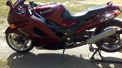 Kawasaki : Ninja 1999 zx 11 motorcycle