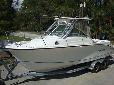 2006 TROPHY 2502 W/A OFFSHORE CUDDY FISHING BOAT W/ A 4-STROKE 250 ONLY 401 HOUR