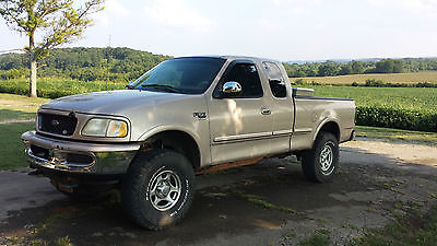 Ford F  Xlt Extended Cab Pickup  Ford F