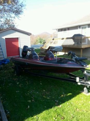 1997 18' Challenger bass boat