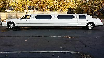 Lincoln : Town Car Executive Limousine 4-Door 2001 lincoln limousine