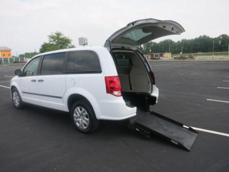 Dodge : Grand Caravan 4dr Wgn SE Wheelchair Accessible Vehicle. BRAND NEW VAN !!!