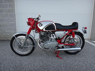 Honda : Super Hawk 1965 honda superhawk cb 77