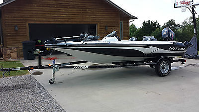 2008 640 LX Nitro Boat