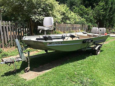 SeaArk 16' aluminum Boat, 9.9 2 Stroke Motor, Minn Kota Trolling Motor, EXTRAS