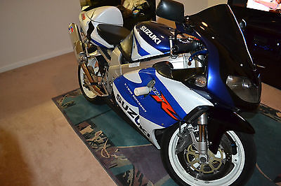 Suzuki : Other SUZUKI TL1000R SRAD VTWIN SUPERBIKE W/2 HELMETS,LEATHER JACKET,SILVER GOPRO!!