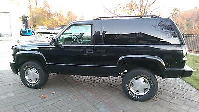 Chevrolet : Tahoe LS Sport Utility 2-Door Black, 2 doors