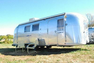1966 Airstream - updated - MUST SEE - Ready to camp - 26ft