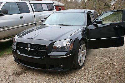 Dodge : Magnum SRT8 Package 2006 srt 8 magnum option groups 1 and 3 and sun roof 1 owner less than 60 k