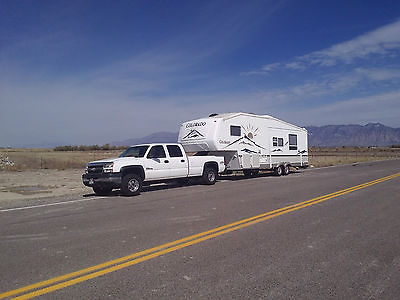 chev 2500 duranax & 2004 travil trailer