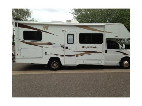 2014 Winnebago Minnie Winnie 25b RVs for sale