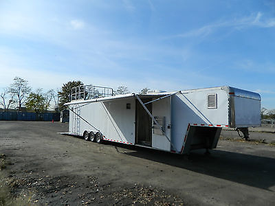 2000 Pace 44' enclosed gooseneck trailer / race car toy hauler with deck