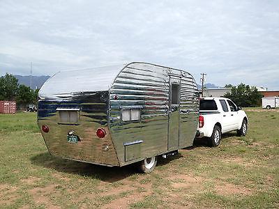 Vintage travel trailer 1955 Mobile Lodge 14' camper