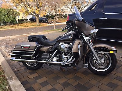 Harley-Davidson : Touring Beautiful, extra clean, safe, runs perfect, needs nothing