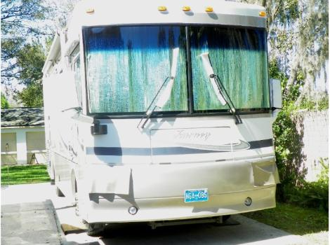 2005 Winnebago Journey 32T