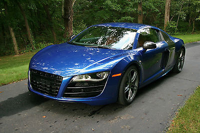 Audi : R8 Coupe 2010 v 10 5.2 coupe manual trans awd loaded low miles single owner