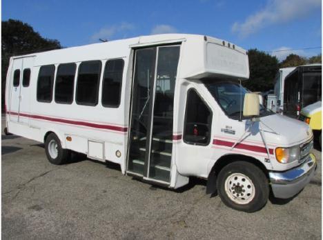 2001 FORD E450