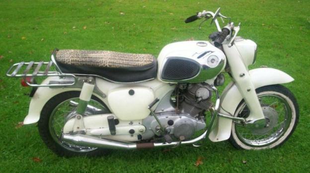 Vintage 1968 Honda Dream 305