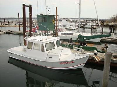 Custom Built 6 Pack Charter Boat 28' 1984 w/ Re-built Cummings 6 Turbo Diesel