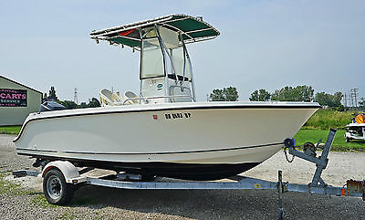 Center Console 19 ft. 2003 Trophy Boat with 115 HP 4 Stroke Mercury Outboard