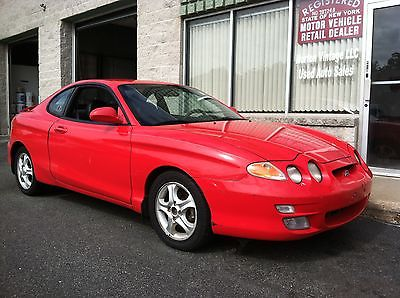 Hyundai : Tiburon Base Coupe 2-Door NO RESERVE 132K TWO TONE LEATHER ROOF 5 SPEED MANUAL ONE OWNER NO ACCIDENTS 01