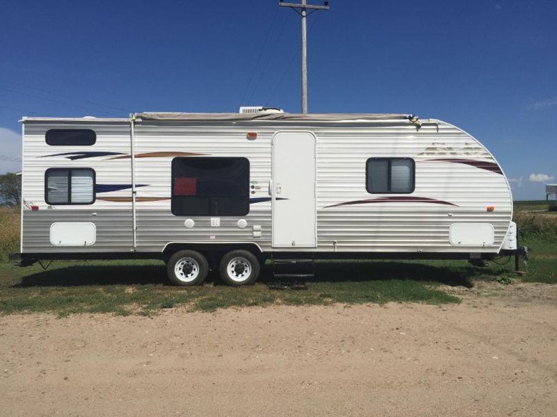 2012 Cherokee Forrest River Camper Bunk Beds
