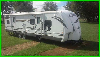 2012 Keystone Cougar 31SQB 35' Travel TRLR 2 Slides Sleeps 11 Outside Kitchen