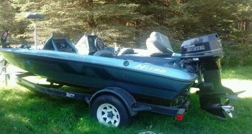93 Nitro Fishing boat 115 Tracker Motor