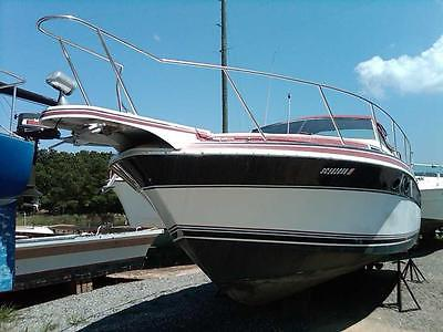 1988 WELLCRAFT ST TROPEZ +Rebuilt Twin 454 +Central Air Conditioning +Upgrades