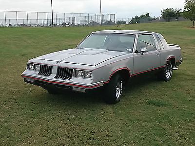Oldsmobile : Cutlass Hurst Oldsmobile 1984 cutlass hurst oldsmobile lightning rod shifters
