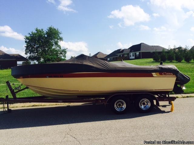 1984 - Celebrity Boats - 210 Bowrider - Lake Sara Marina, Inc.