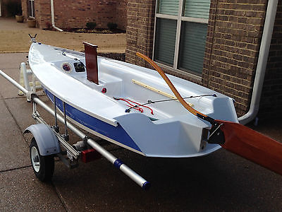 ZUMA Fiberglass Sailboat and Aluminum Trailer, (small sailboat)