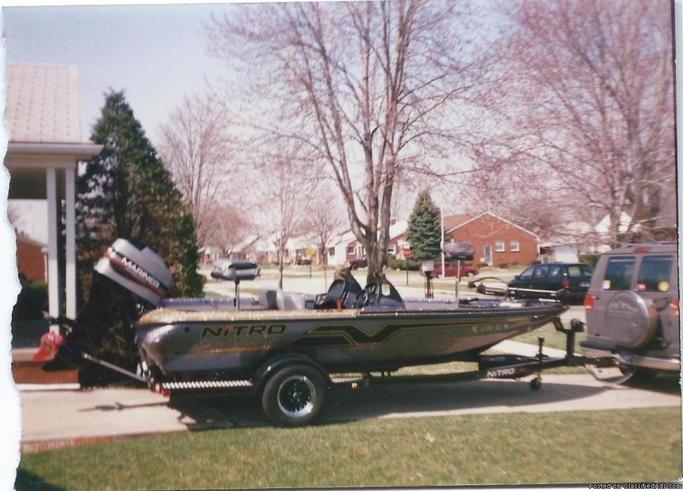 Nitro Savage 884 DC Bass Boat