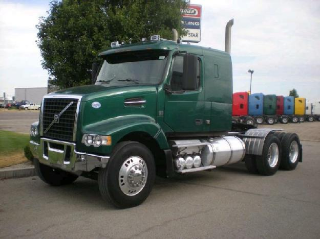 Volvo vhd64ft430 tandem axle sleeper for sale
