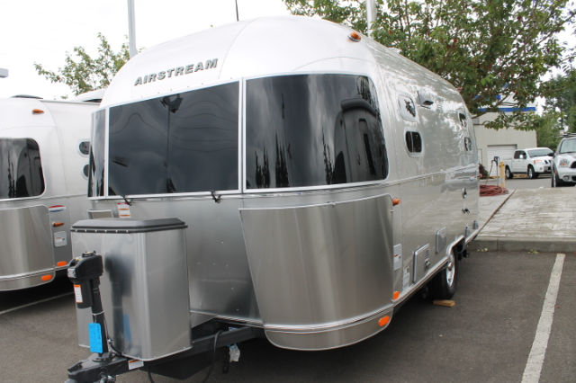 2016 Airstream Interstate Grand Tour Twin Bed