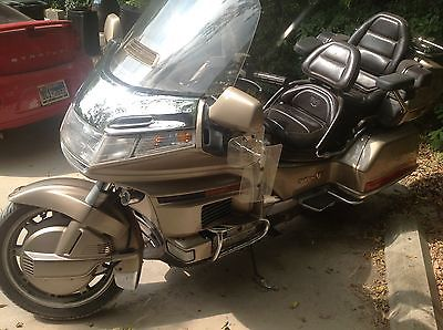 Honda : Gold Wing 1500 goldwing low miles and roadworthy