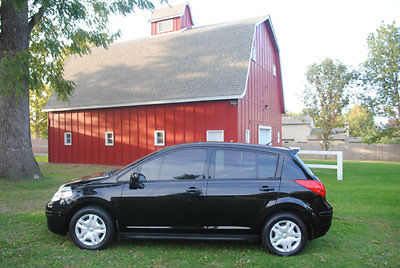 Nissan : Versa 5dr Hatchback I4 Automatic 1.8 S 2011 nissan versa 1.8 s black low miles look affordable warranty wow