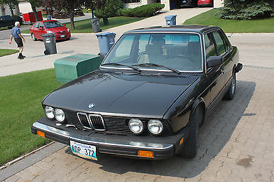 BMW : 5-Series 528e 1986 528 e brown 4 door good condition