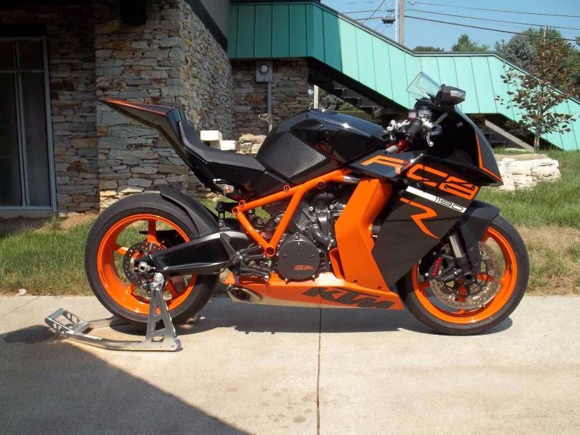 2011 KTM 1198 RC8
