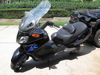 Suzuki : Other 2004 black suzuki burgman 650