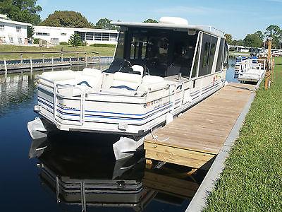 1993 32' Sun Tracker Party Cruiser Pontoon Boat