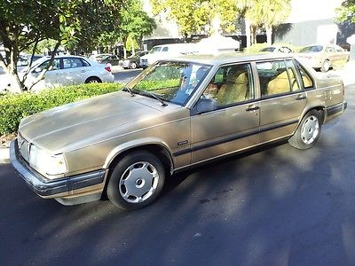 Volvo : 940 GL Sedan 4-Door Gold Color Good Condition Cold A/C Sunroof Box Shape New Battery
