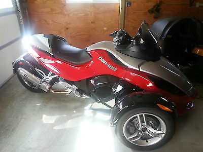 Can-Am : SE5 2008 can am spyder se 5 excellent condition with low miles custom paint